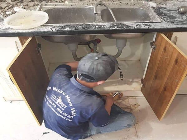 Sửa ống nước rửa chén bị nghẹt