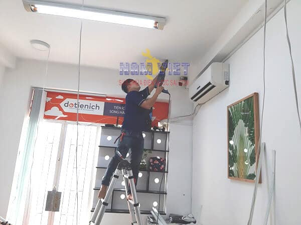 Lắp đặt hệ thống đèn led âm trần