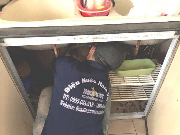Thợ sửa thiết bị vệ sinh tại nhà TPHCM