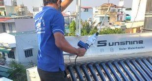 Thợ hàn ống nước nóng năng lượng mặt trời