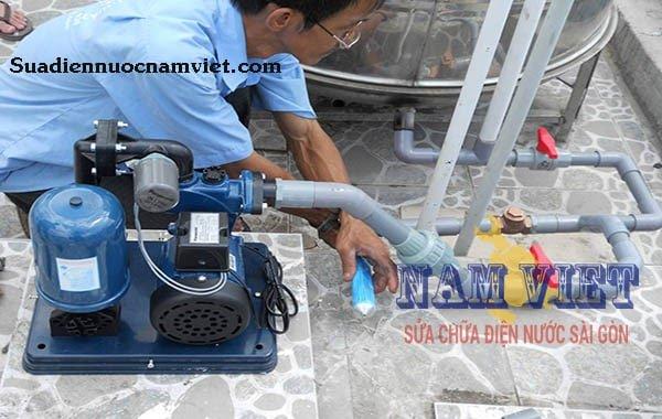 Thơ lắp đặt, sửa máy bơm nước tại quận Bình Thạnh giá rẻ
