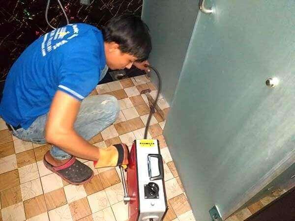 Thông nghẹt ống nước thải