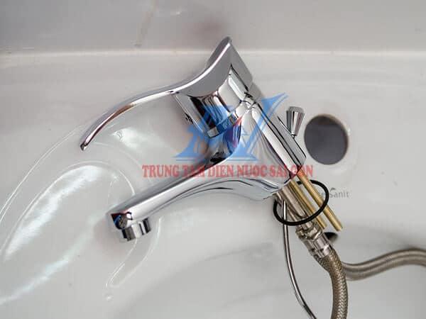 lắp vòi nước tại quận 2