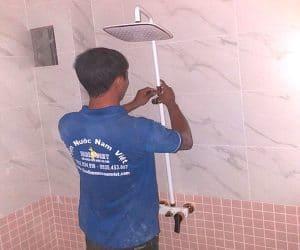 Lắp vòi sen tắm