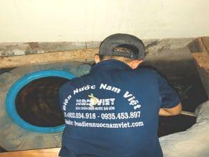 Sửa bồn nước nhựa bị rò rỉ nước