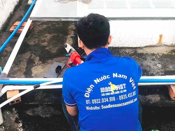 Thợ sửa đường ống nước tại nhà TPHCM