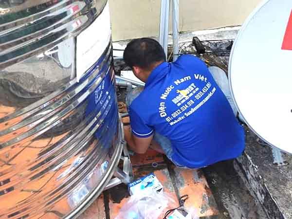 Lắp bồn nước inox tại TPHCM