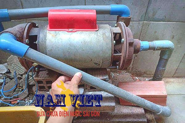 lắp máy bơm nước giếng tại Thích Quảng Đức Phú Nhuận