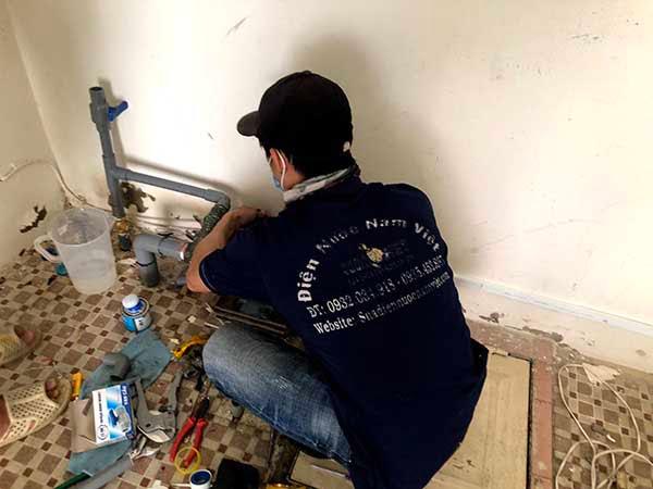 Thợ sửa máy bơm nước tại quận Phú Nhuận rò rỉ nước